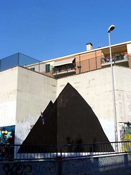 Абстрактное граффити: Стрит-художники об улицах, публике, опасности и свободе. Изображение № 75.
