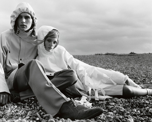 Архивная съёмка: Марио Тестино для Burberry SS 1999. Изображение № 2.