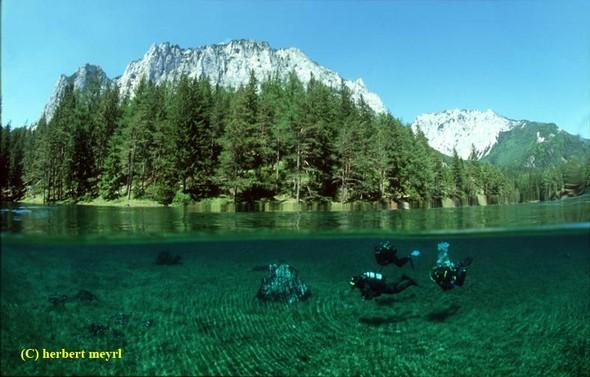 Фотограф Herbert Meyrl. Скамейки под водой. Изображение № 14.