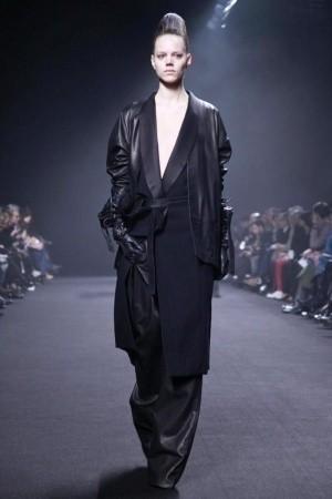 Изображение 45. Показы на Paris Fashion Week FW 2011: день 5.. Изображение № 10.