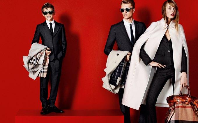 Balenciaga, Jean Paul Gaultier и Versace выпустили кампании. Изображение № 10.