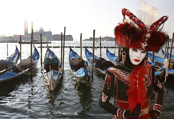 Венецианский карнавал масок. Изображение № 16.