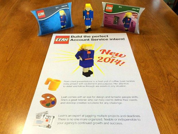 Девушка сделала резюме из Lego . Изображение № 1.