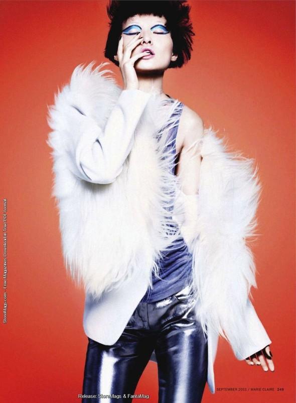 Съёмка: Ван Сяо для Marie Claire. Изображение № 10.