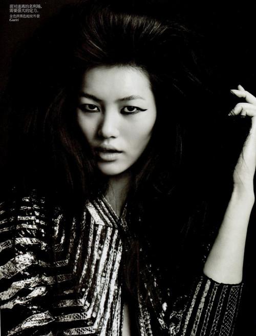 Фотосессия Лиу Вен и Фей Фей Сун для Vogue China. Изображение № 6.