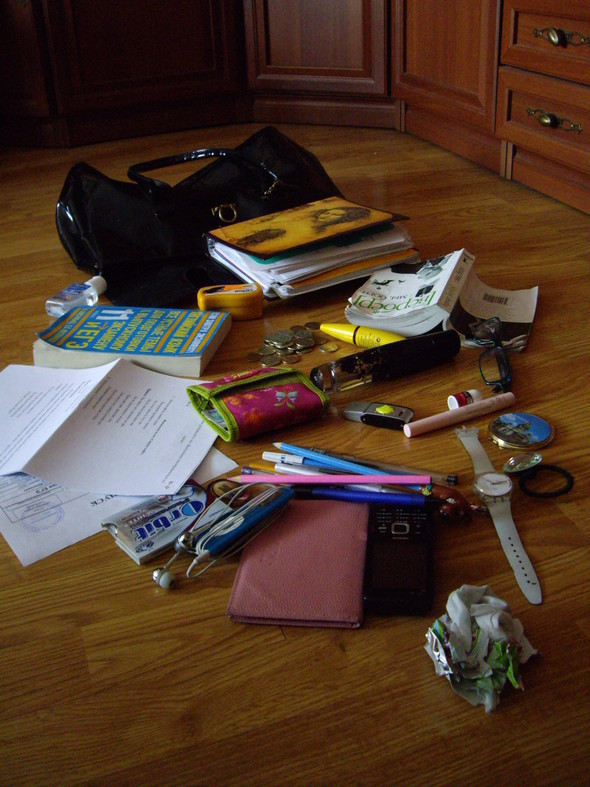 Look at Me: What's in your bag? Часть 2. Изображение № 38.