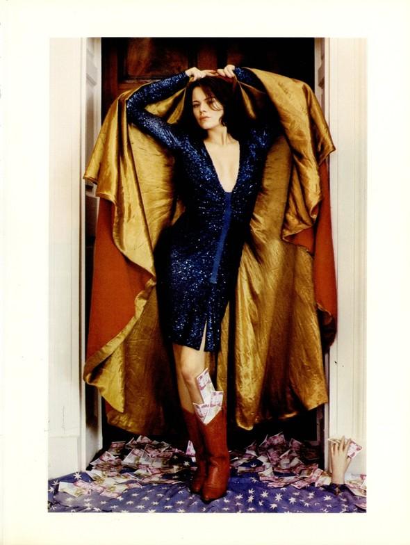Архивная съёмка: Тим Уокер для итальянского Vogue, 2001. Изображение № 3.