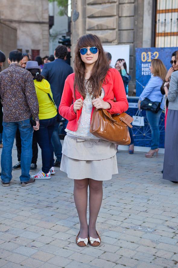 Baku Street Fashion | Spring 2012. Изображение № 27.
