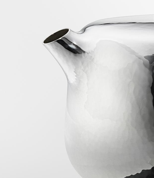Дизайнер Марк Ньюсон создал серебряный чайный сервиз. Изображение № 7.