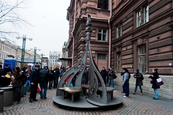 В Питере появился памятник в честь всех влюбленных. Изображение № 1.