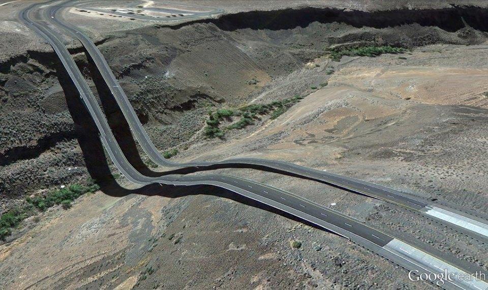 32 фотографии из Google Earth, противоречащие здравому смыслу. Изображение № 3.