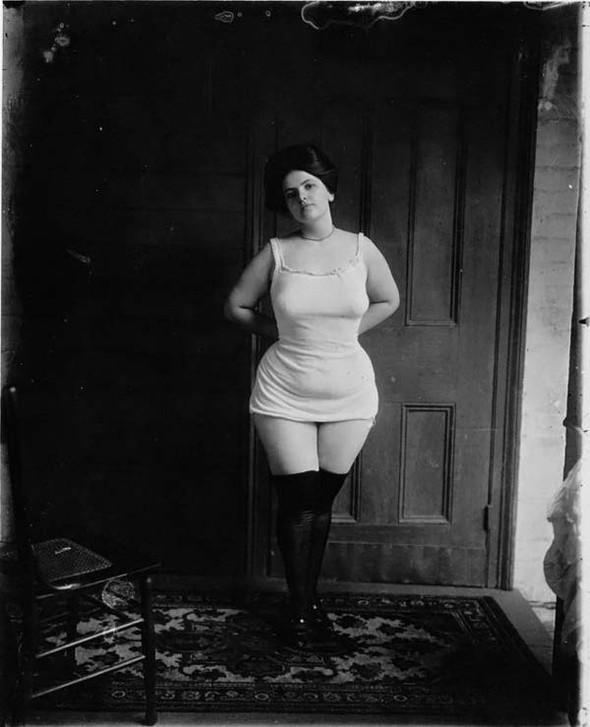 Фотосессия жриц любви 1912 года. Изображение № 6.