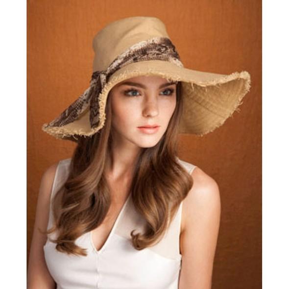 Дело в шляпе: 10 известных шляпников. Изображение № 42.
