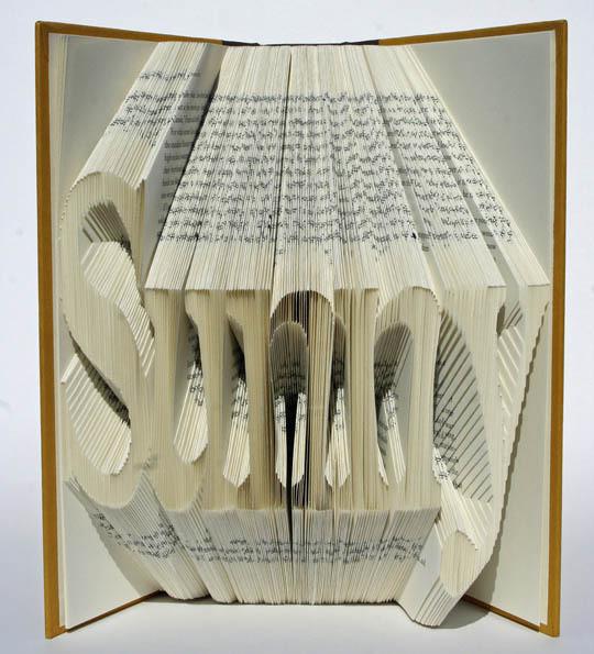 Изображение 2. Скульптуры из книг.. Изображение № 2.