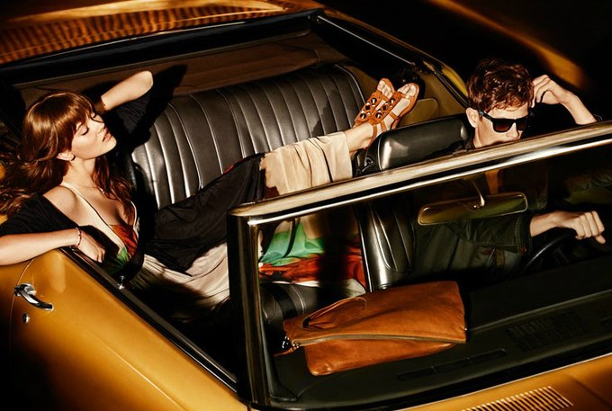 Alberta Ferretti, DKNY и Moschino показали новые кампании. Изображение № 12.
