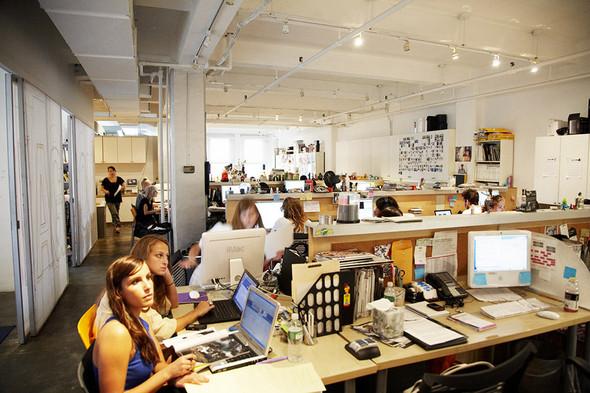 Редакция журнала Nylon вНью-Йорке. Изображение № 5.