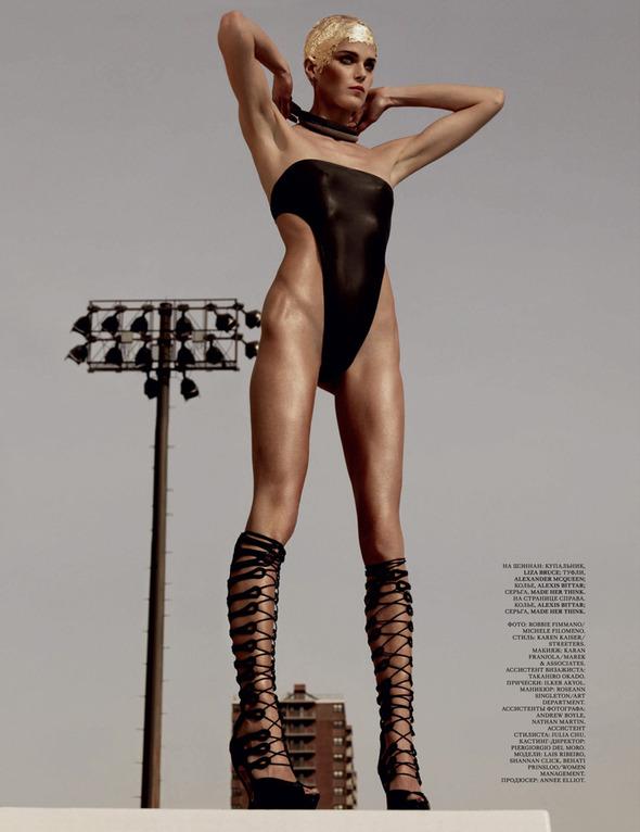 Быстрее, выше, сильнее: Модные съемки, вдохновленные спортом. Изображение №2.