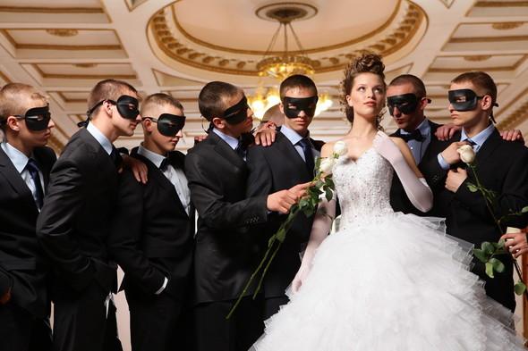 Съемка: свадебные платья. Изображение № 6.