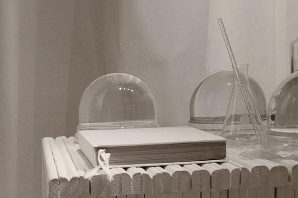 Фэшн-дизайнеры создают мебель. Изображение № 10.