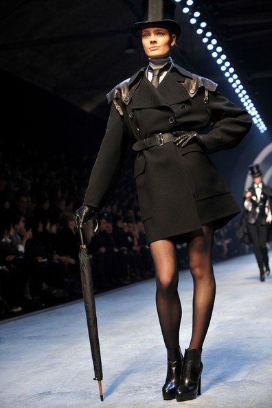Jean Paul Gaultier for Hermes (fall-winter 2010). Изображение № 16.
