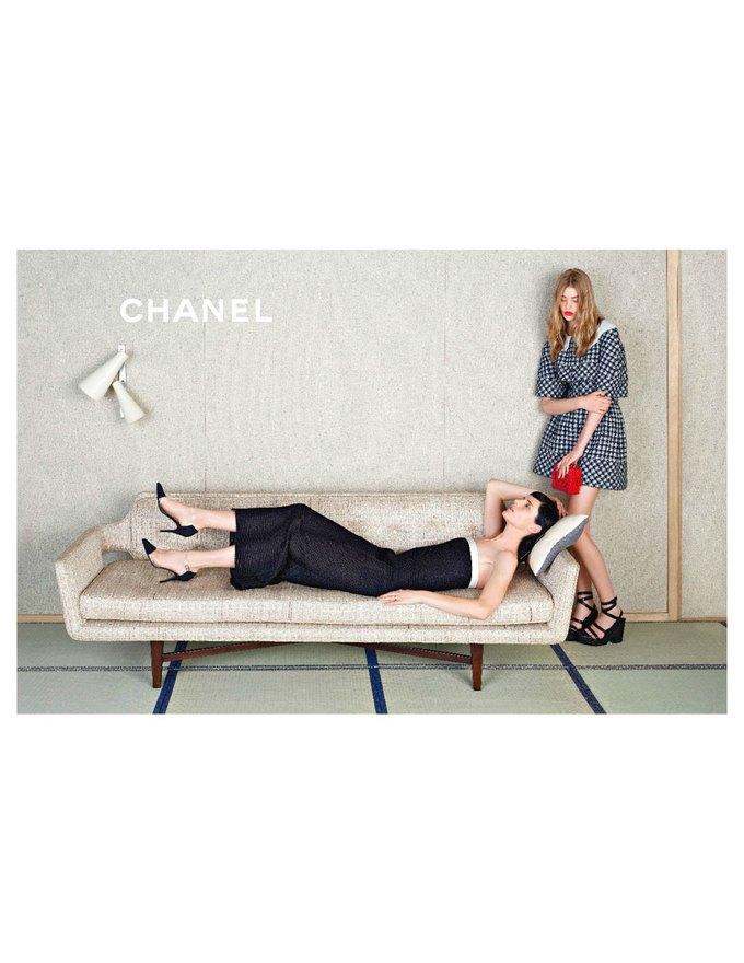 Chanel сняли несовершеннолетних моделей для новой кампании. Изображение № 2.