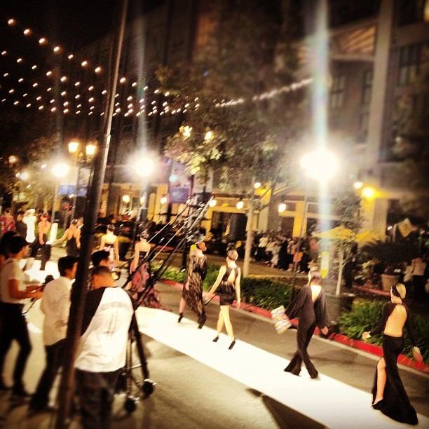 Instagram-фотоотчет о Fashion's Night Out по всему миру. Изображение № 16.