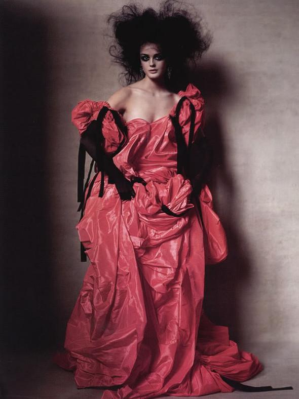Архивная съёмка: Лиза Кант в объективе Ирвина Пенна, 2005. Изображение № 4.