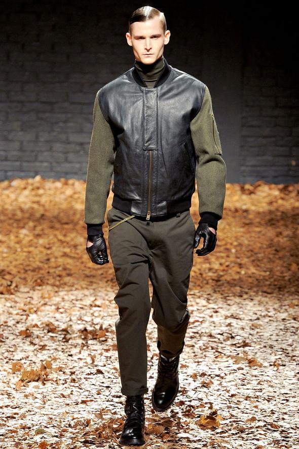 Лукбук McQ by A. McQueen F/W 2012-13, Женская и мужская коллекции. Изображение № 26.