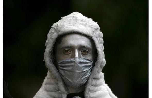 Мексиканцы прошлись юмором по«свиному гриппу». Изображение № 4.