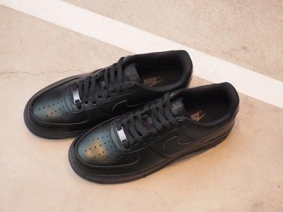 Nike Air Force 1 Low Premium 30th Anniversary – Black. Изображение № 2.