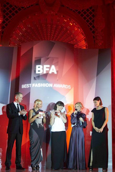 Kamenskakononova получили сразу две премии BEST FASHION AWARDS . Изображение № 2.