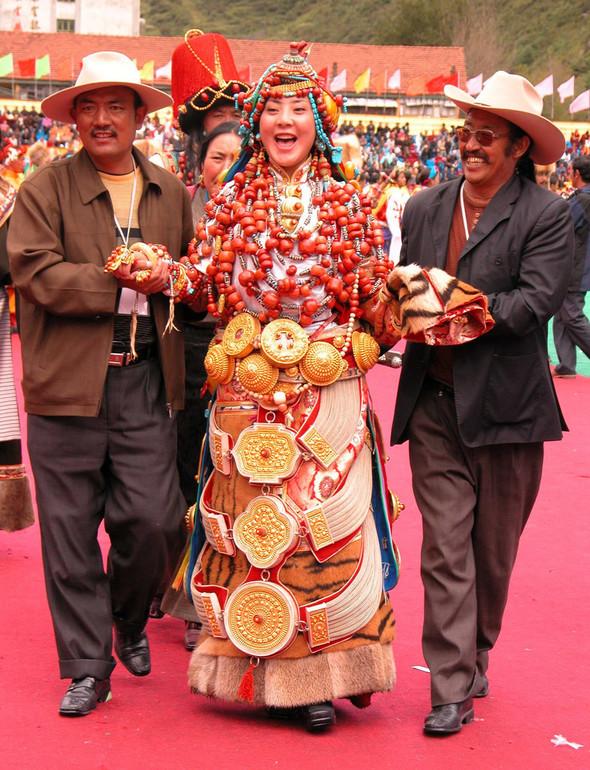 Тибет: семейные ценности и традиционные костюмы. Изображение № 1.