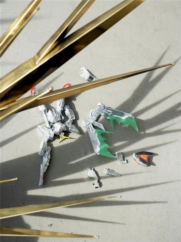 Organized Robots by Steven Meisel. VogueItaliaMarch06. Изображение № 21.
