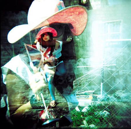 Волшебный ЛОМО-мир Sigrid Chien. Изображение № 11.