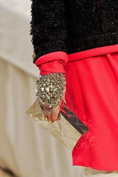 Детали с показа Chanel Pre-Fall 2012. Изображение № 24.
