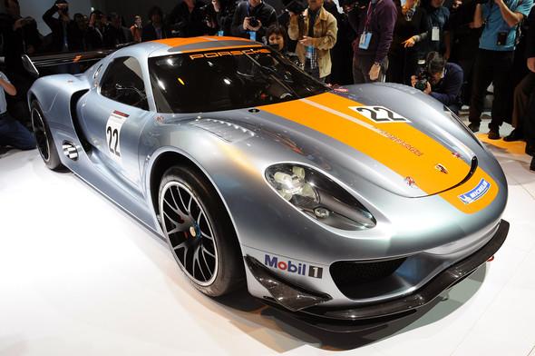Немцы предъявили миру Porsche 918 RSR Hybrid. Изображение № 4.