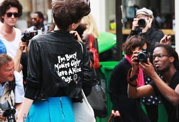 Уличный стиль на Неделе высокой моды в Париже. Изображение № 116.