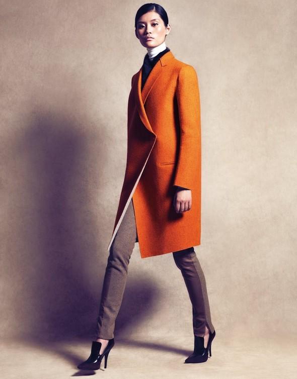 Съёмка: Сунь Фэй Фэй и Мин Си в Celine для Vogue. Изображение № 5.