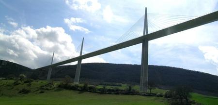 Самый высокий транспортный мост вмире. Изображение № 4.
