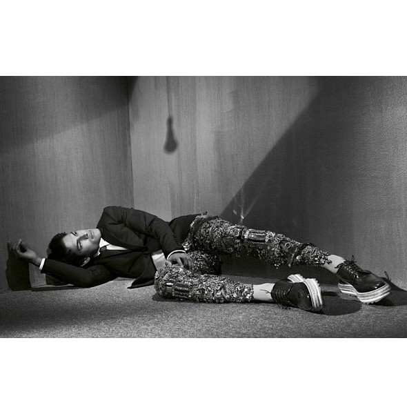 Изображение 2. Мужские съемки: Vogue, L'Officiel и другие.. Изображение № 11.