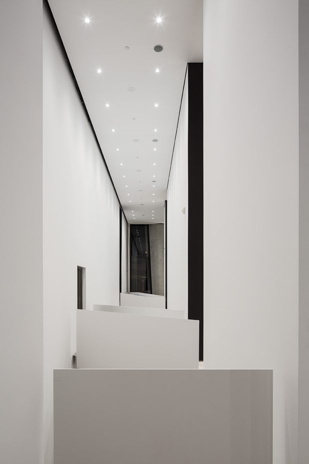 Архитектура дня: музей сволнистым фасадом изнержавеющей стали. Изображение № 13.