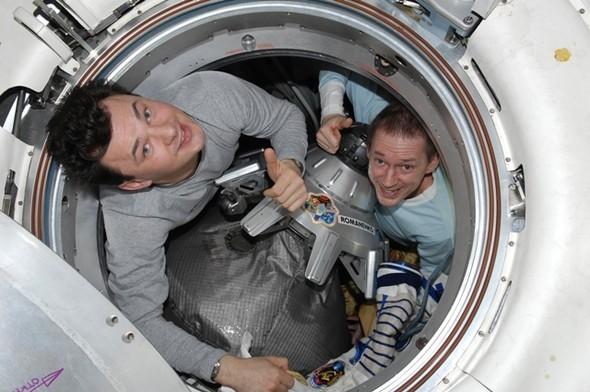 Дневник космонавта Максима Сураева. Изображение № 3.