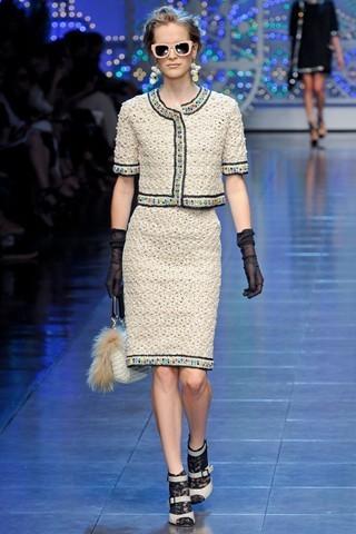 Сезон весна-лето 2012 :10-ка лучших женских костюмов с юбкой. Изображение № 6.
