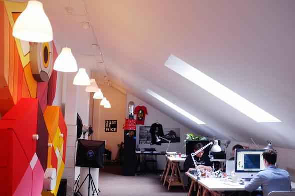 Рабочее место: Стас Хрусталев и Игорь Киселев, студия Just Be Nice. Изображение № 7.