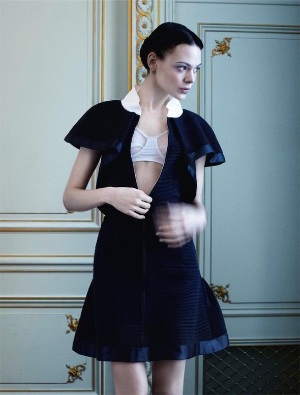 Kinga Rajzak by John-Paul Pietrus in Chanel for Harpers Bazaar. Изображение № 6.