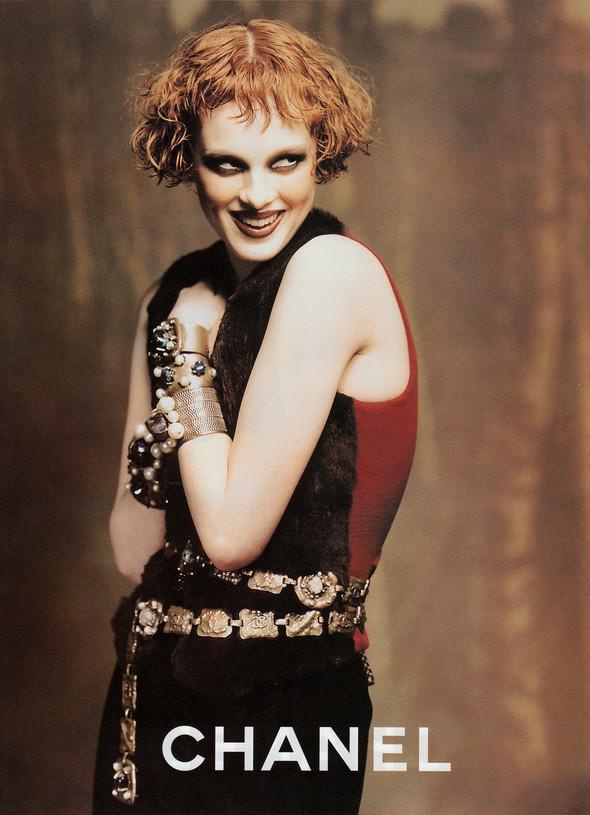 Архивная съёмка: Карен Элсон для кампании Chanel за 1997 год. Изображение № 4.