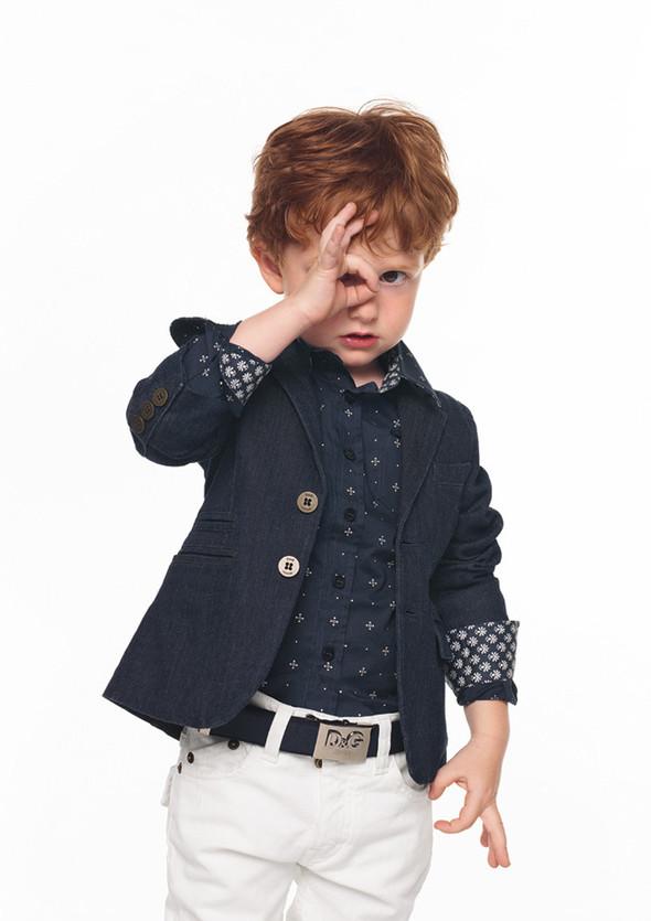 Все лучшее детям: лукбуки D&G, Gucci, John Galliano, Burberry. Изображение № 11.