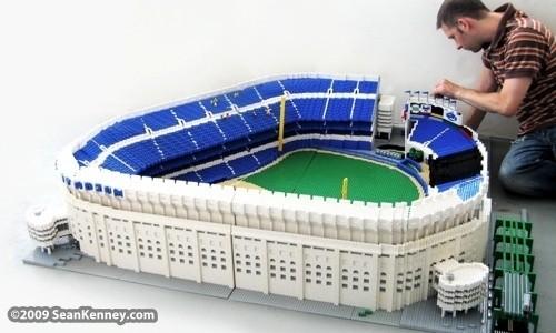 Изображение 34. Lego art: Люди, продолжающие играть.. Изображение № 34.