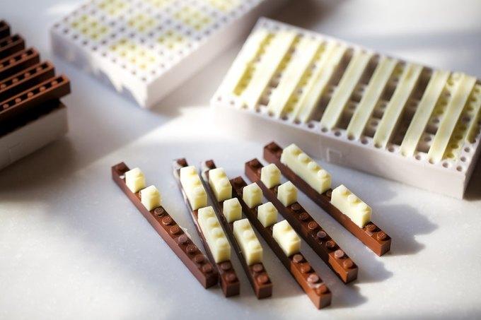 Японский дизайнер сделал LEGO из шоколада . Изображение № 2.