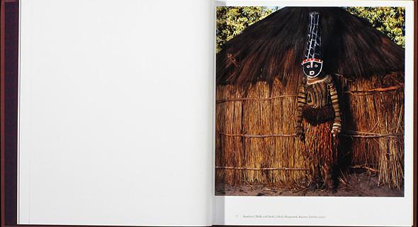 12 альбомов фотографий непривычной Африки. Изображение № 63.